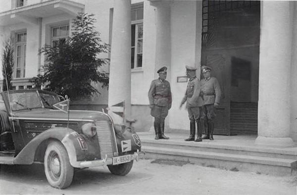 Γερμανός-Στρατιωτικός-Διοικητής-στο-Δημοτικό-Νοσοκομείο-της-Ξάνθης-σημερινό-στρατοδικείο