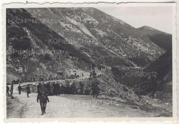 Η κάθοδος-των-Γερμανών-από-τα-οχυρά-προς-την-Ξάνθη